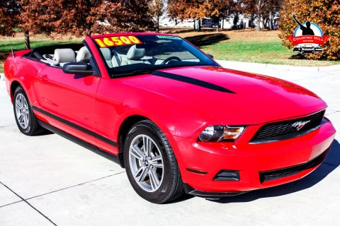 Pre-Owned 2010 Ford Mustang V6 RWD Convertible